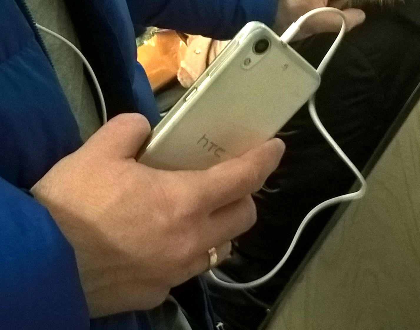 Smartphone amputee missing fingers